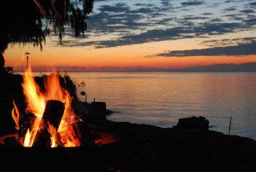 fire at sunset - Lake Ontario/Niagara Falls-Year Round Cottage - Kendall - rentals
