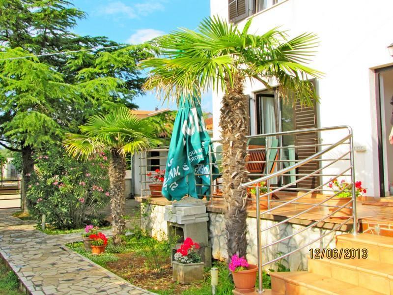 Apartment 2+2, Peroj, 800 m to the beach, - Image 1 - Vodnjan - rentals