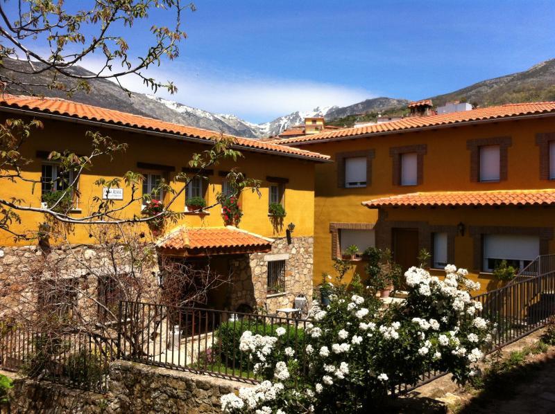 Casa rural - Image 1 - Guijo de Santa Bárbara - rentals