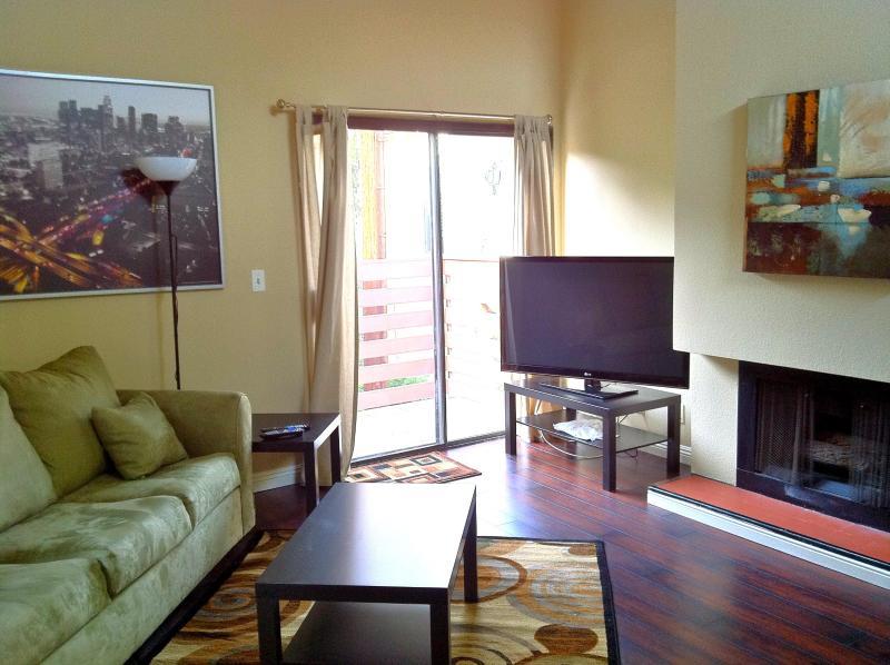 Living room with hardwood floors, 50