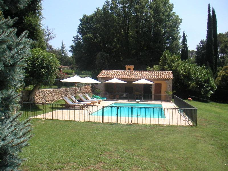 Beautiful property between sea and mountain - Image 1 - Roquefort les Pins - rentals