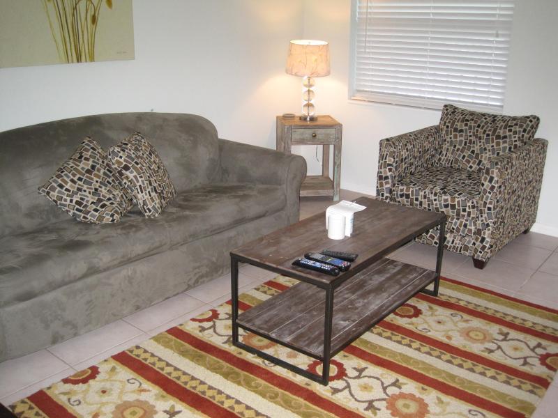 Las Olas / Victoria Park - Adorable 1 bedroom - #10 - Image 1 - Fort Lauderdale - rentals