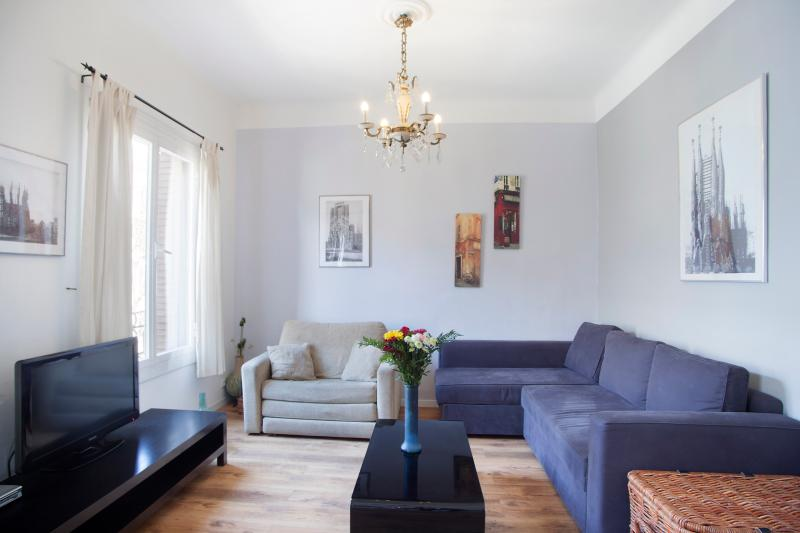 A great location for a big group with two complete apartments - Double apartment near Sagrada Familia (sleeps 12) - Barcelona - rentals