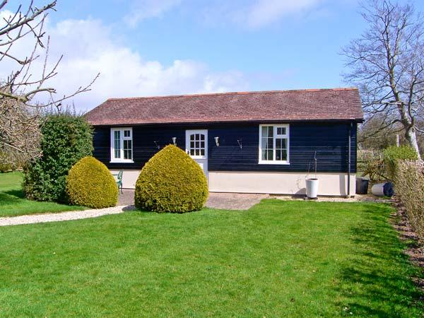 THE BOTHY, romantic cottage, en-suite facilities, all ground floor, in village of Boldre, in New Forest, Ref 25473 - Image 1 - Boldre - rentals