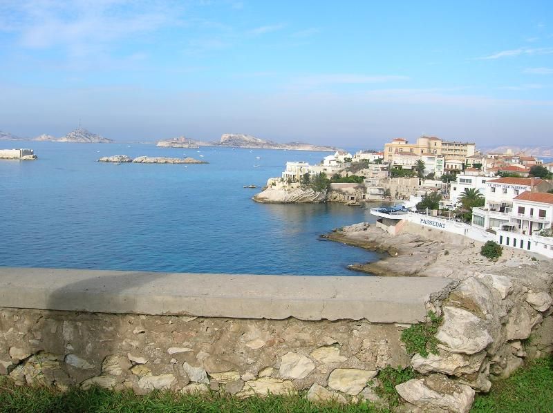 Joli Logis, Affordable 1 Bedroom Apartment in Marseille - Image 1 - Marseille - rentals