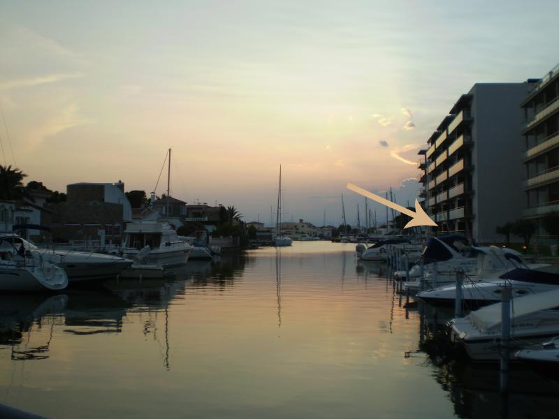 The appartament is just there - BEAUTIFUL APARTMENT WITH CANAL VIEWS - Roses - rentals