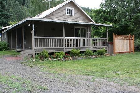 Exterior Front - The Old Homestead Nightly Rental - Hot Tub! - Leavenworth - rentals