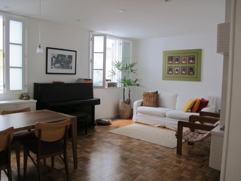 Living Room - Charming apartment in Leblon, Rio de Janeiro - Rio de Janeiro - rentals