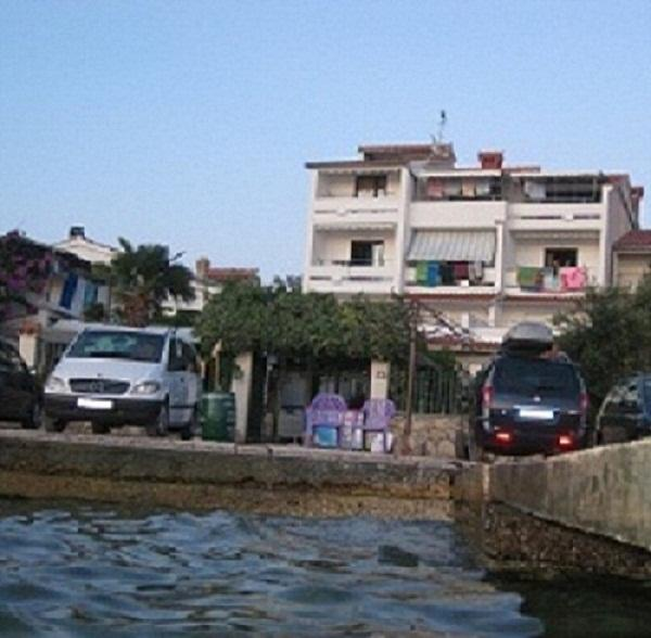 house from the beach - APARTMENT LORD 3 (4+2) - Pirovac - rentals