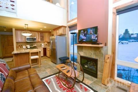 Bright, beautiful and recently renovated Three Kings Condominium at the base of Park City Mountain Resort. There is a view from every window! - Three Kings One Bedroom - Park City - rentals