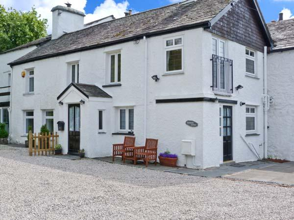 HIGH MOOR COTTAGE, cosy cottage close to Windermere, woodburner, Juliet balcony, Bowness Ref 19804 - Image 1 - Bowness-on-Windermere - rentals