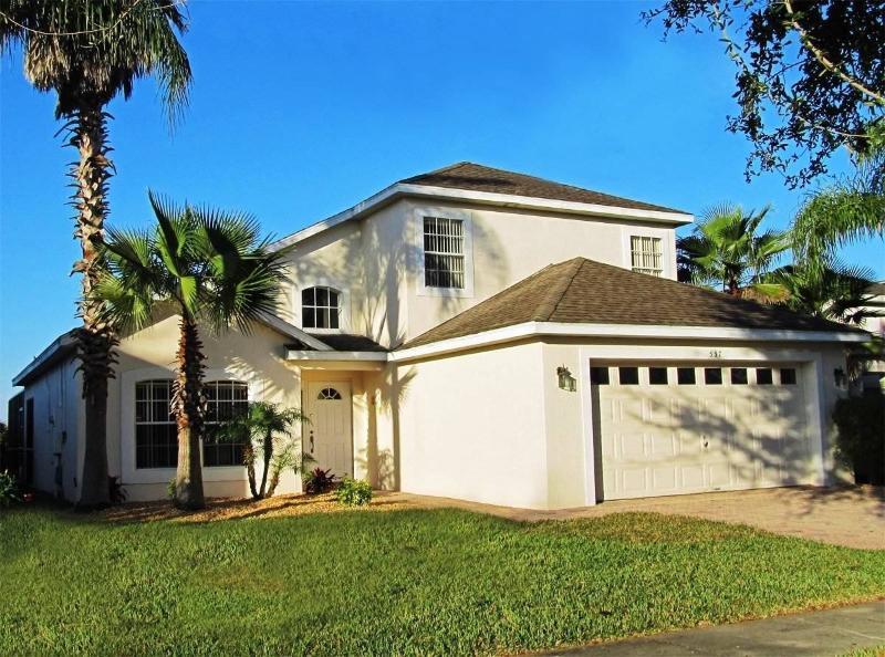 Front of villa - Spledid villa in Orlando near Walt Disney World with south west facing pool - Davenport - rentals