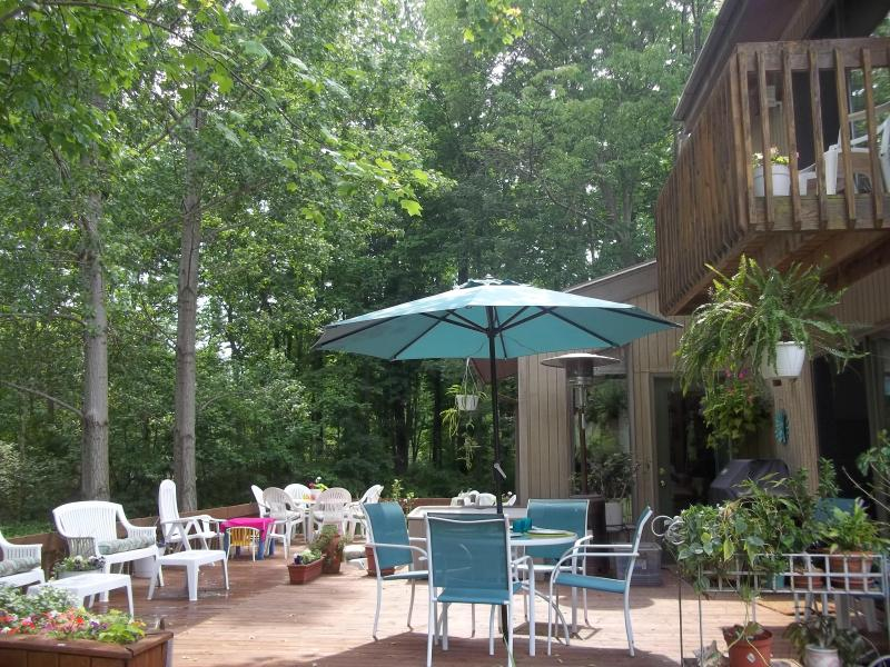 Side view of deck - Sunset Views of Lake Michigan - South Haven - rentals