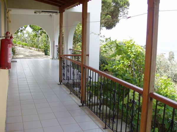 Villa Kavourakia Studios - Image 1 - Skiathos - rentals