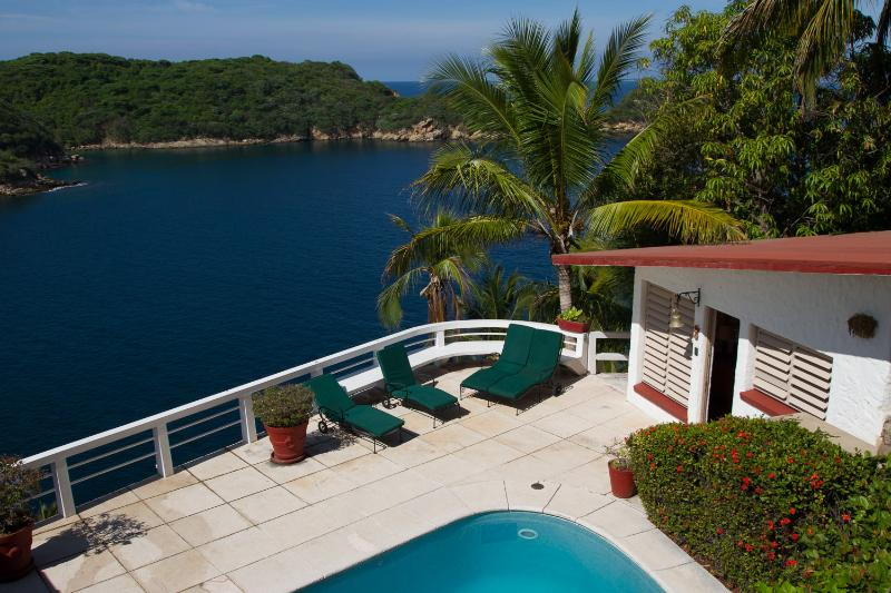 Acapulco Oceanfront House Private Ocean Access - Image 1 - Acapulco - rentals