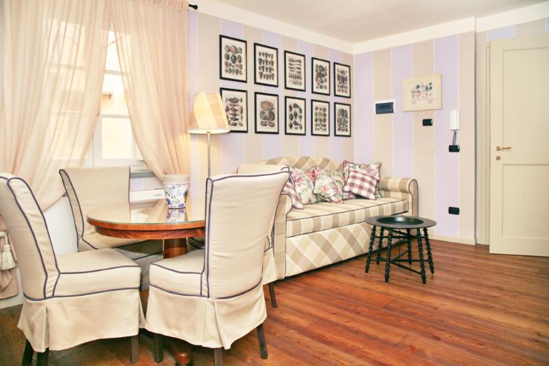 Brilliant Apartment at Anfiteatre in Lucca Center - Image 1 - Lucca - rentals