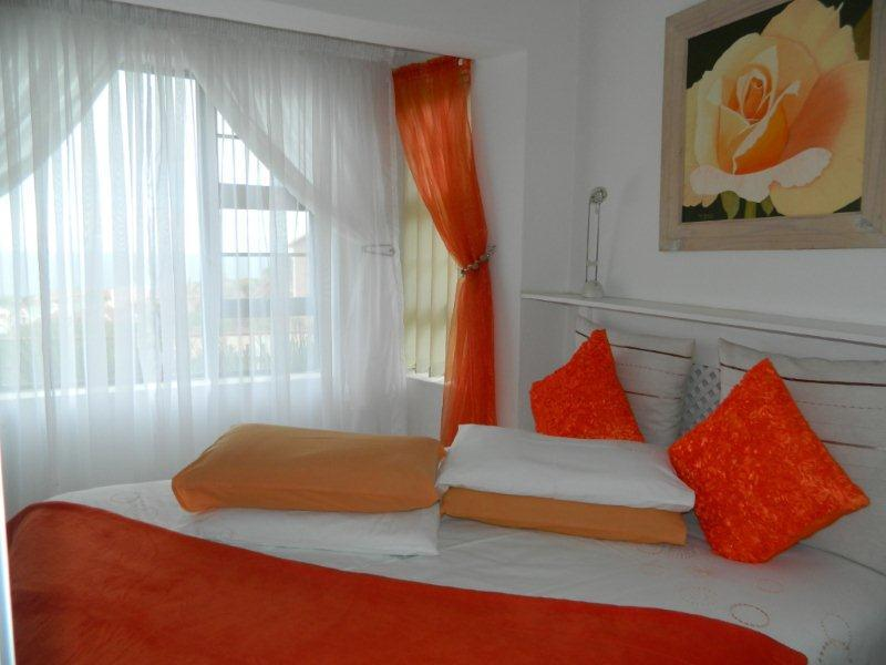 modern neat stylish decor - KAYCERA seaview selfcatering guest- flats - Mossel Bay - rentals