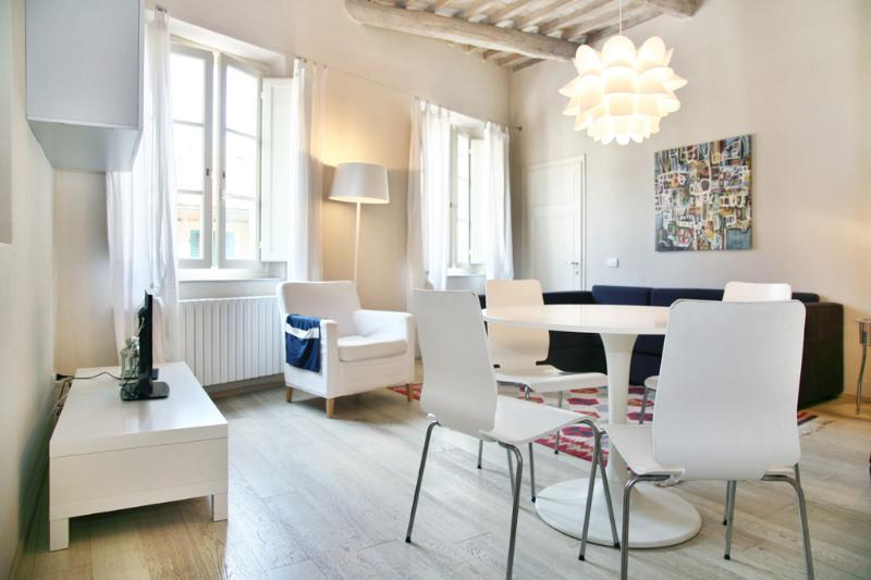 Edgar: your  ideal place in town - Image 1 - Lucca - rentals