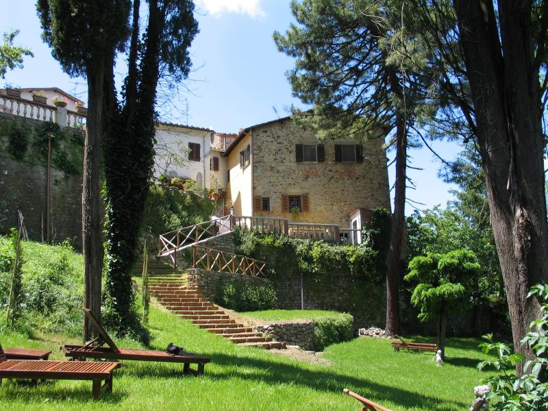 The Castellino Bucine and its beautiful garden - Cosy romantic house with garden and stunning views - Bucine - rentals