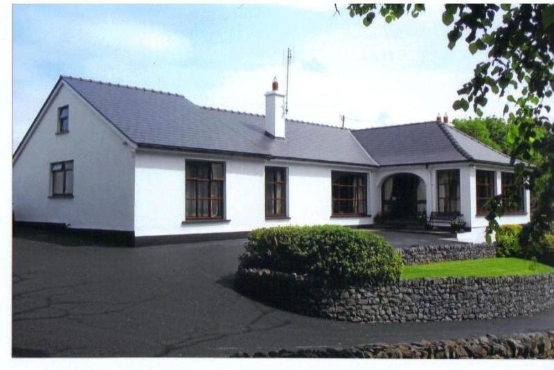 ELMGROVE BED & BREAKFAST - Carrowkeeran, Murrisk,  Croagh Patrick, Westport C - Westport - rentals