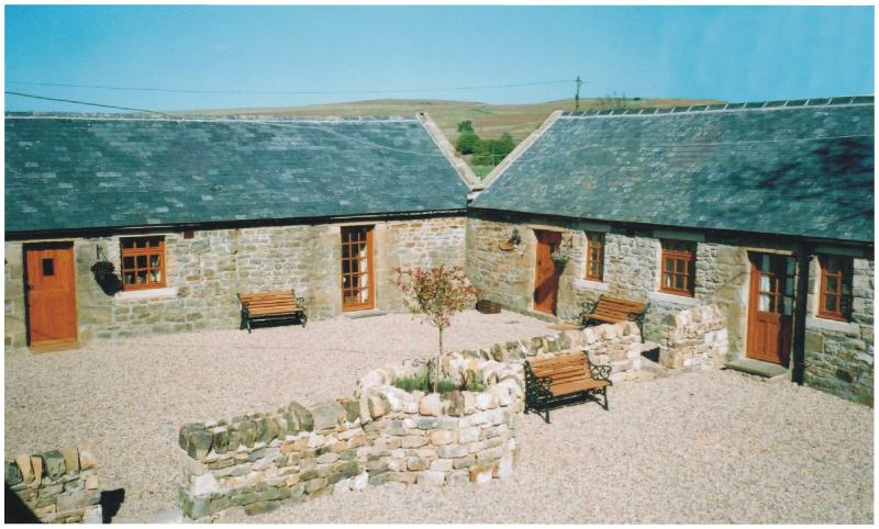 The Courtyard - Farmhouse Cottage, 2 bedrooms, pet friendly, rural - Otterburn - rentals