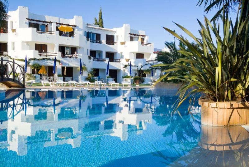 2 Bedroom Apartment in Resort 500 m From the Beach - ALBUFEIRA - REF. BALGOL110373 - Image 1 - Albufeira - rentals