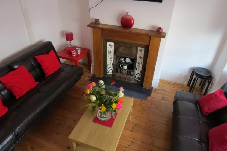 Budget Group House In Hove (Sleeps 12) - Image 1 - Brighton - rentals
