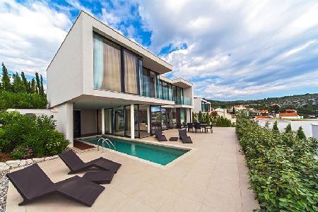 Modern haven Villa Victoria with sea view, chic indoor/outdoor pool & green roof - Image 1 - Primosten - rentals