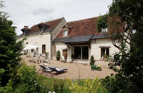 Outside on south orientation - CHARMING 17TH HOUSE CLOSE TO LOIRE VALLEY HISTORIC - Berthenay - rentals