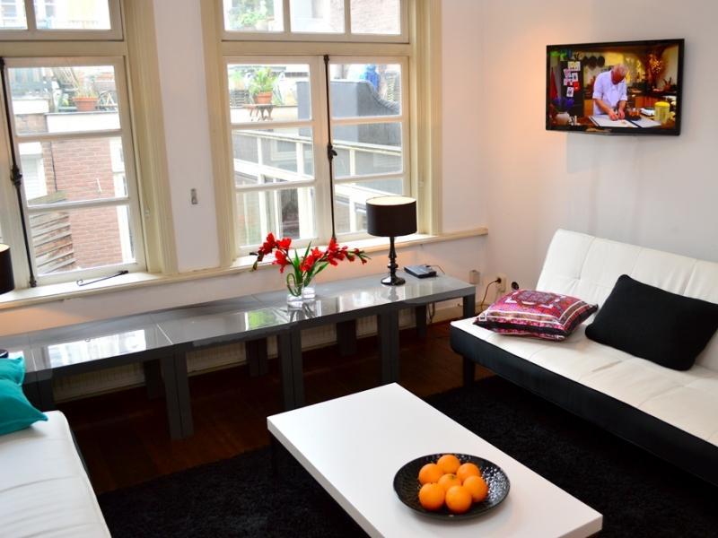 AMS Three Bedroom House in Leidseplein - Key 1070 - Image 1 - Amsterdam - rentals
