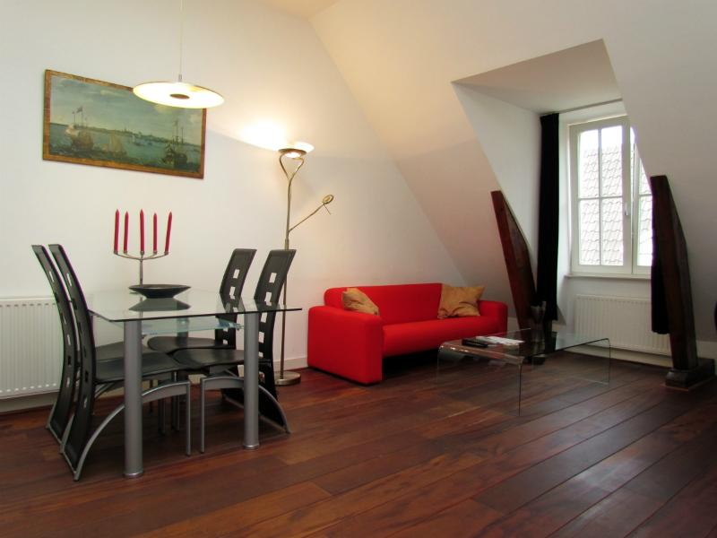 AMS One Bedroom in Dam Square - Key 57 - Image 1 - Amsterdam - rentals