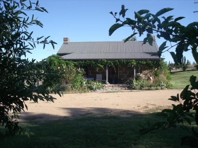 Woodvale at Cooma Farm Stay/Pet Friendly Holiday C - Image 1 - Cooma - rentals