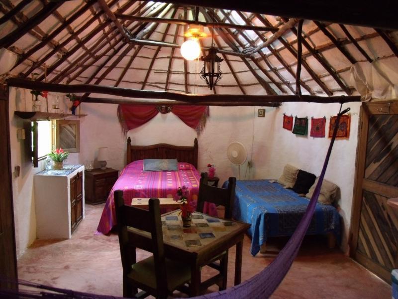 An authentic Mayan Hut converted into a bedroom - Casitas Kinsol Guesthouse -Room 1- Puerto Morelos - Puerto Morelos - rentals