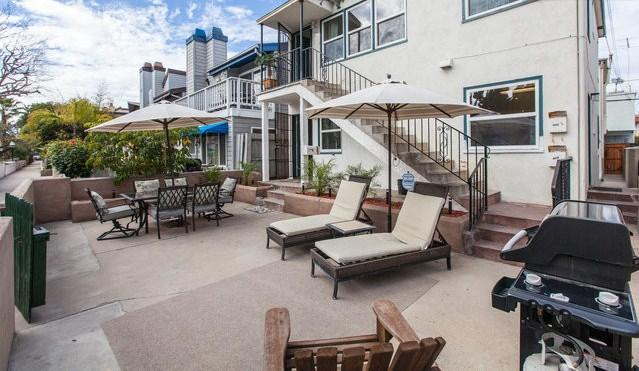 Huge patio w/ high end BBQ, lounge chairs, dining table, fire pit and heat lamp - Mission Beach 2 BR/1BA w/Patio/BBQ/Fire-pit! SC1 - Pacific Beach - rentals