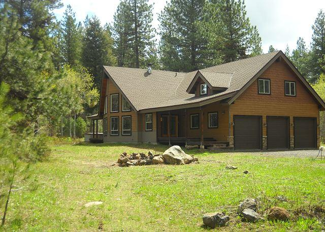 Large Executive Cabin on 5 Private Acres close to McCall! - Image 1 - McCall - rentals