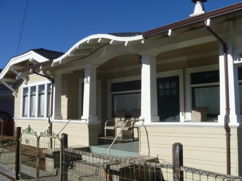 Front of Mott Bungalow - Seabright Beach Bungalow - Santa Cruz - Santa Cruz - rentals