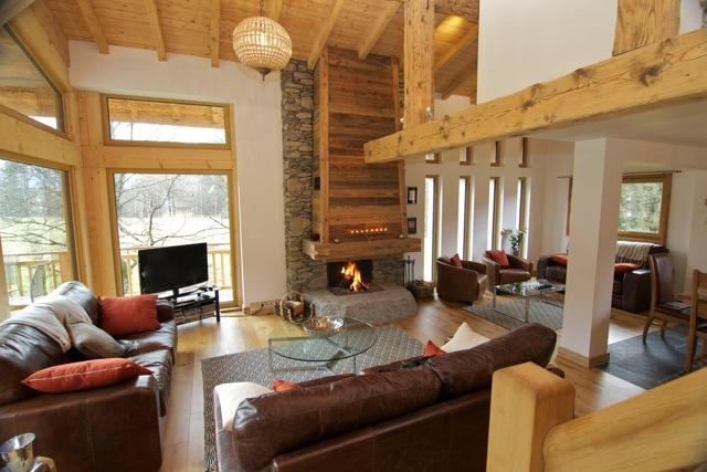 Open Plan Living Area with double height windows to enjoy views of Mont Blanc - Chalet Marithé - Chamonix, Mont Blanc - Chamonix - rentals