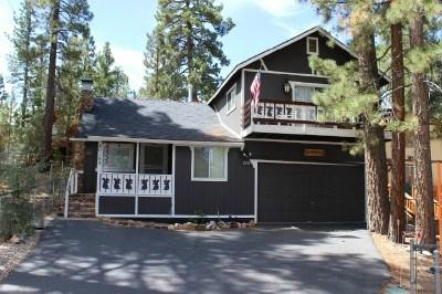 Charming home close to Lake, Village, Shops with decks and Hot Tub - Bears Den is the perfect family getaway in Big Bear with Hot tub and Pool Table - Big Bear Lake - rentals