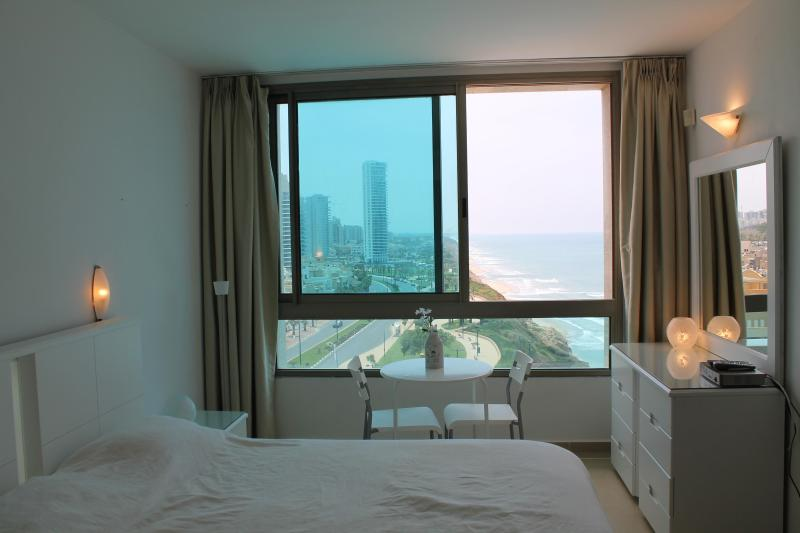 room and view outside - Beautiful Seaview On The Beach - Netanya - rentals