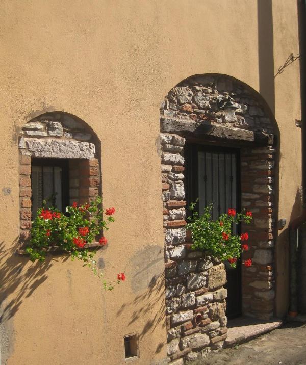 Tipico appartamento antico borgo - Costa toscana - Image 1 - Sassetta - rentals