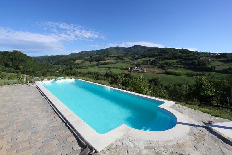 Salted swimming pool - Valtidone Verde: a unique B&B in Northern Italy - Zavattarello - rentals