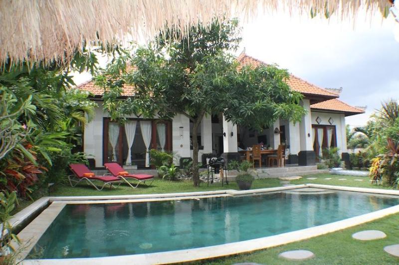 Villa Rinca, beautiful villa with tropical gardens and pool. - Villa Rinca Umalas Bali - Seminyak - rentals