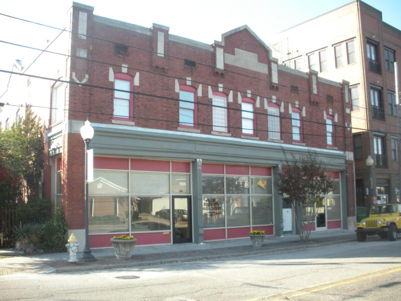The Strauss Building - Urban Condo With  History of Film and Television - Wilmington - rentals