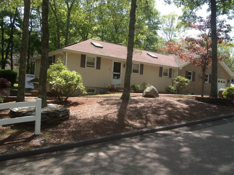 81 Deepwood Dr. East Falmouth, MA - Immaculate-Spacious 3 Bdrm.Overlooks Water - Falmouth - rentals