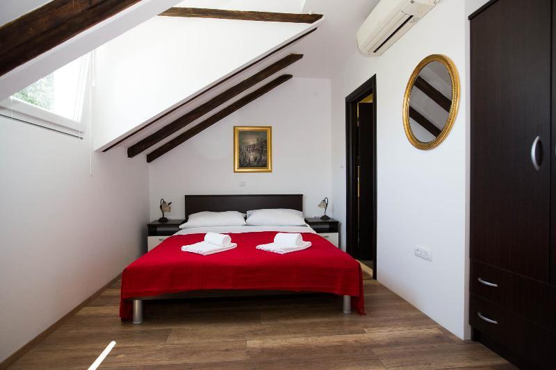 bedroom - DUBROVNIK , LAPAD - VILLA MIA - Room 1 - Dubrovnik - rentals
