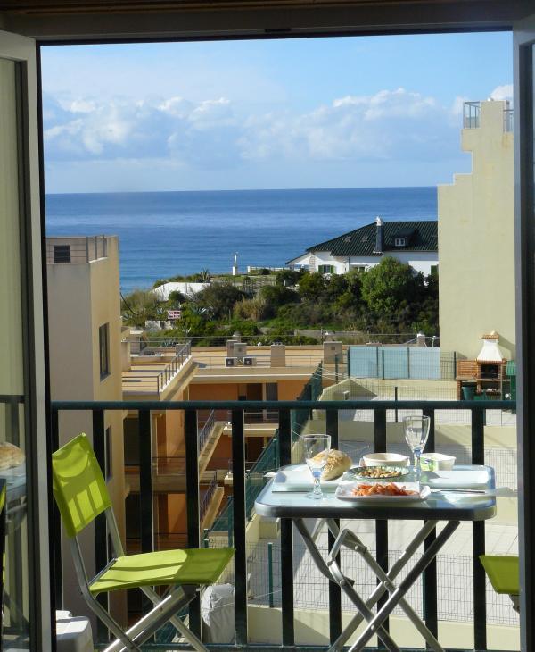 Lunch on the Balcony - Apartment in Beautiful Praia da Areia Branca - Lourinha - rentals