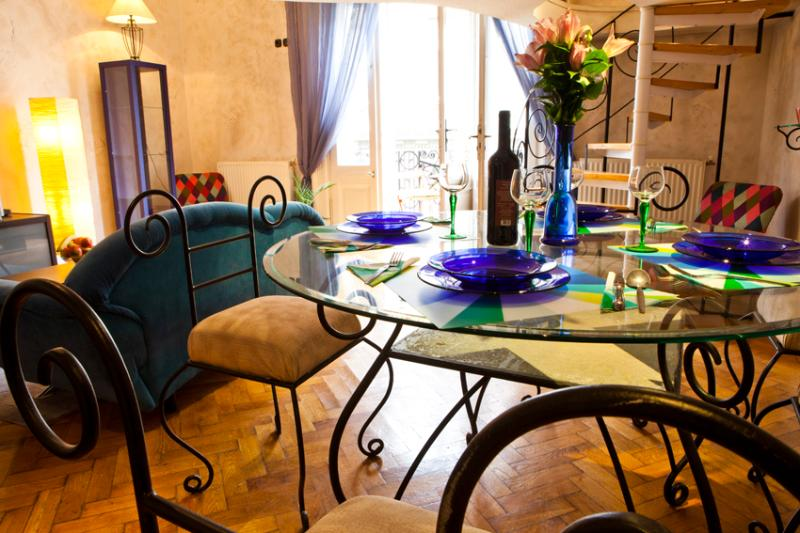 Dining room - Apartment Cibere - balcony above the Danube - Budapest - rentals