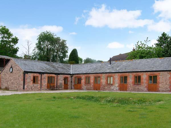 THE BULL BARN, single-storey luxury cottage with hot tub, woodburner, games barn, Alberbury Ref 15914 - Image 1 - Shropshire - rentals