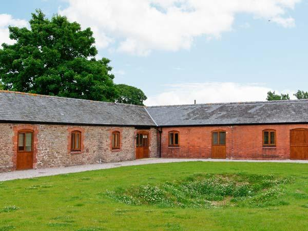 THE ARCHES, single-storey luxury cottage with private hot tub, games barn, woodburner, Alberbury Ref 15915 - Image 1 - Shropshire - rentals