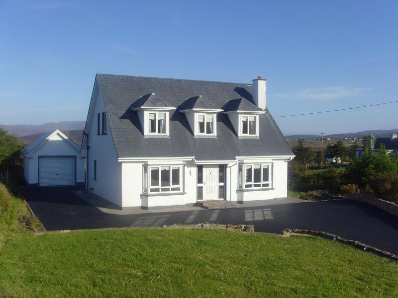 Englmer Cottage & Front Garden - Englmer Cottage - Achill Island - rentals